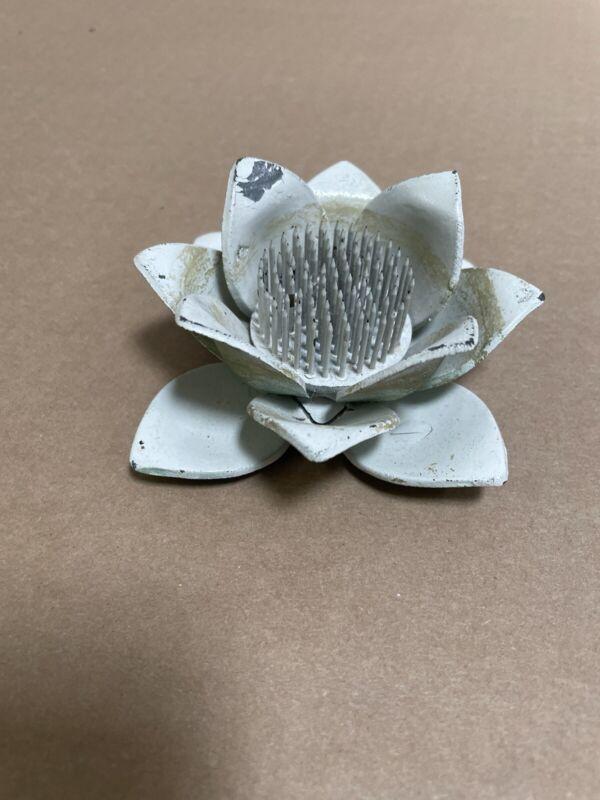 Vintage Metal Water Lily Lotus Petal Ikebana Kenzan Pin Flower Frog