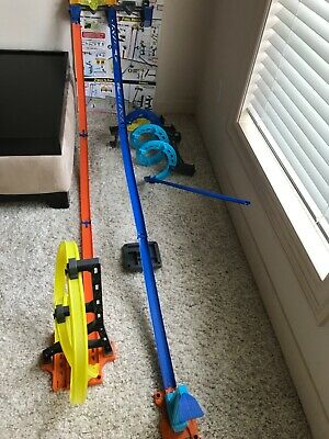 Hot Wheels Track Builder Vertical Launch Kit with 3 configurations hours of fun