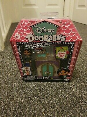 Disney Doorables Jasmine's Royal City playset with surprise figure.