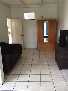 Room to rent Yorkeys Knob Cairns City Preview