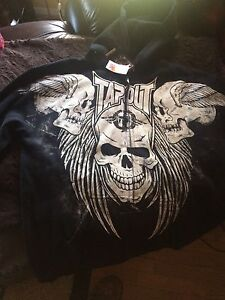 TAPOUT HOODIE XL NWT