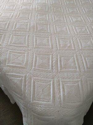 Vintage Antique Victorian White Crochet Bedspread Throw in Size 110