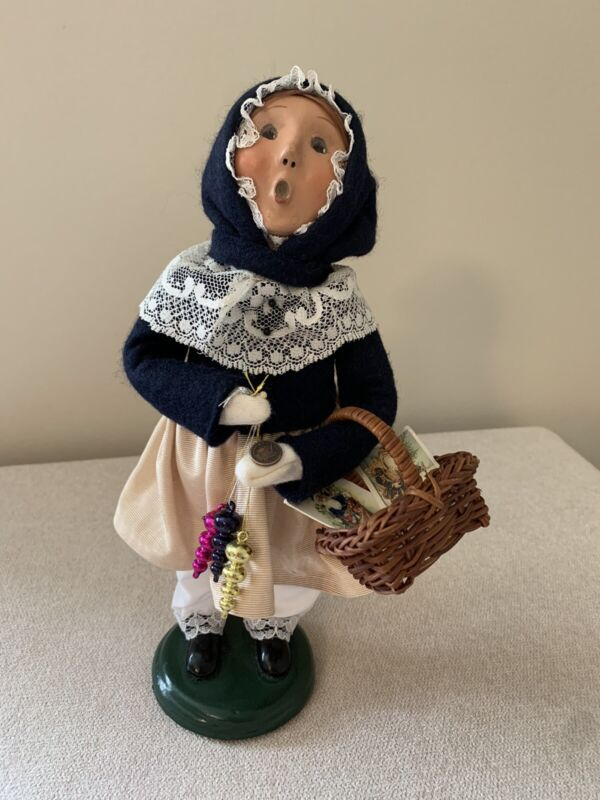 """Byers Choice Victorian Shopper 9"""" Woman with Ornaments and Coin 2003 READ"""