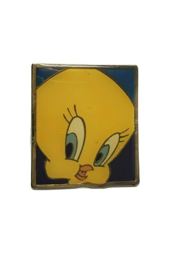 VINTAGE TWEETY BIRD WARNER BROS STUDIO LAPEL PIN SQUARE