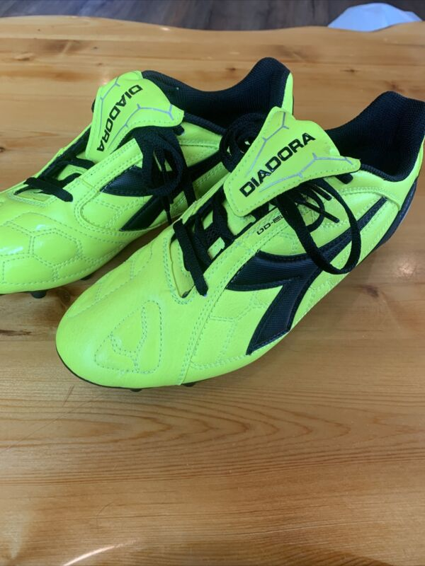 DIADORA DD-ELEVEN Touch Counter Soccer Cleats Mens 8.5 New!