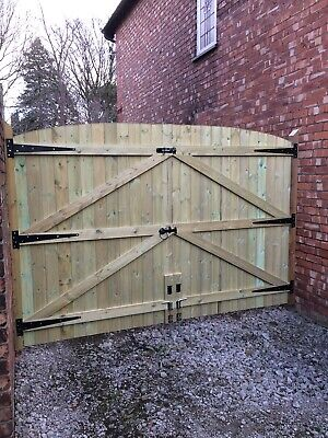 MADE TO MEASURE PRESSURE TREATED DRIVEWAY GATES & POST