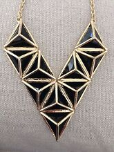 Stylish necklace RPR $100 worn once Ormond Glen Eira Area Preview