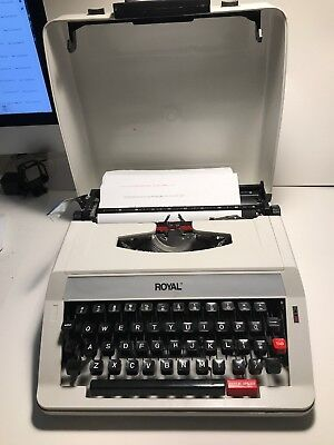 Vintage Royal Olivetti Me-25 Premier Plus Portable Manual Typewriter Hard Case