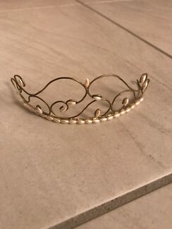 Brand New Tiara perfect for a wedding