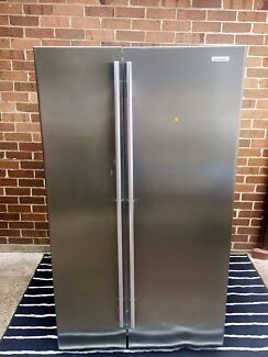 Westinghouse 700 lt fridge with delivery