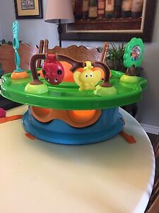 Booster seat & play centre
