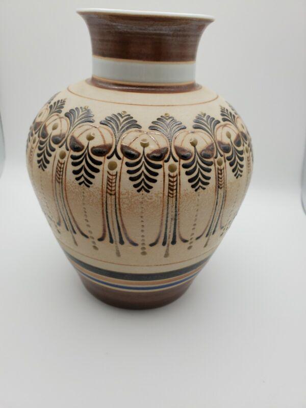 Pun Jiang Thai Vase
