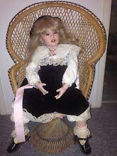 Antique porcelain dolls Horseshoe Bend Maitland Area Preview