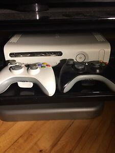 Xbox 360 White, 2 Controllers, 13 Games, all cables