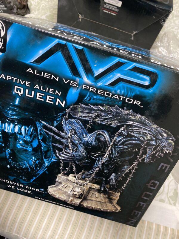 Palisades AVP Alien Vs Predator Captive Alien Queen #134/5000 BROKEN DAMAGED
