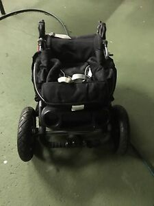 3 wheeler black baby stroller St Marys Penrith Area Preview