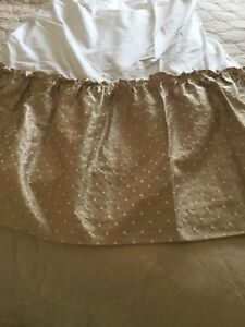 QUEEN BED SKIRT