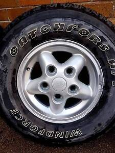 Land Rover Discovery Set of 4 Alloy Rims and Tyres Maitland Maitland Area Preview
