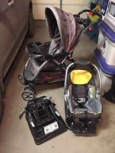 Baby Trend Car Seat, Stroller and 2 Bases