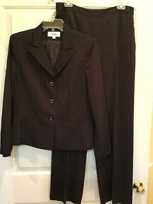 """Women's LeSuit Brown Pants Suit - Size 10 - Inseam 30 1/2"""""""