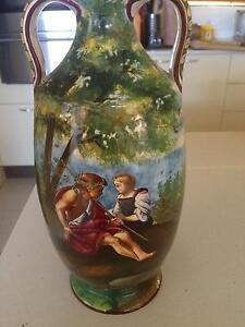 Italian vase Leura Blue Mountains Preview