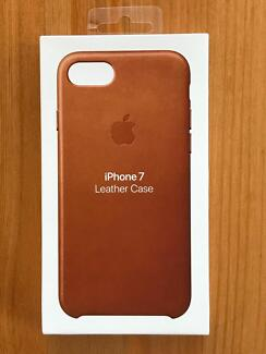 NEW & SEALED - iPhone 7/8 Leather Case (Saddle Brown)