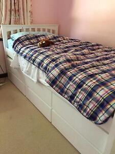 White king-single trestle bed St James Victoria Park Area Preview