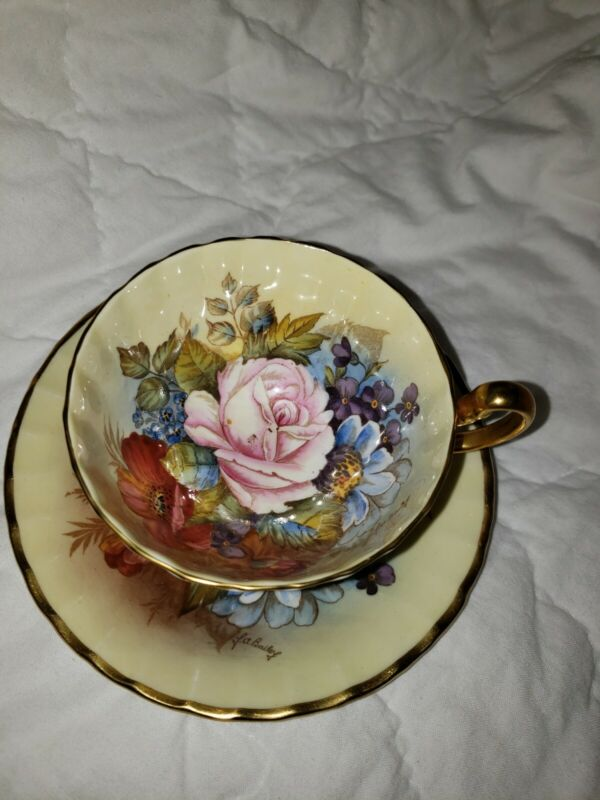 SPECTACULAR  Aynsley Cabbage Rose Teacup/Saucer Signed J A Bailey- CREAM YELLOW