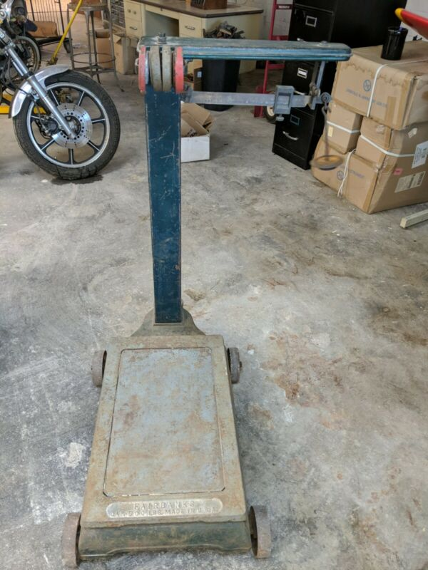 Vintage Antique Industrial Platform Fairbanks 600lb Scale With Some Weights