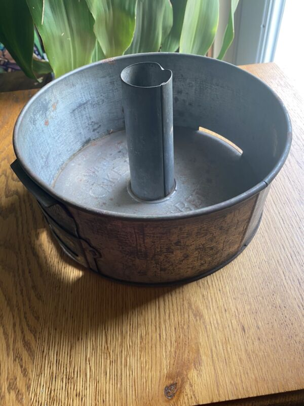 vintage Swans down cake pan with vent release rustic decor