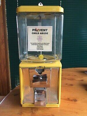 Vintage Northwestern $.25 Yellow Gumball Machine & Key EMBOSSED GLASS Morris,Ill