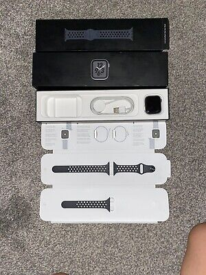 Apple Watch Series 4 Nike+ 40 mm Cellular - Black Nike Sports Band