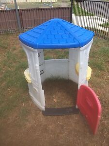 Kids outdoor playhouse/ cubby house  with a roof Willmot Blacktown Area Preview