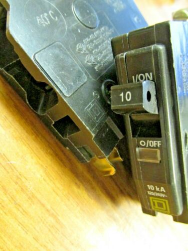 Square D Circuit Breakers Bolt-on 1P, 10A, Cat# QOB110 ( Box of 10)  .. UA-613