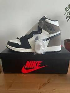 Nik Air Jordan 1 Retro High - Dark Mocha - Size 11, to Sell or Trade