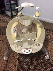 New baby bouncer with extra washable cover!