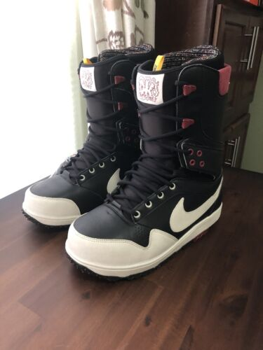 Nike snowboard boots Danny Kass Size 10. Black Maroon White.