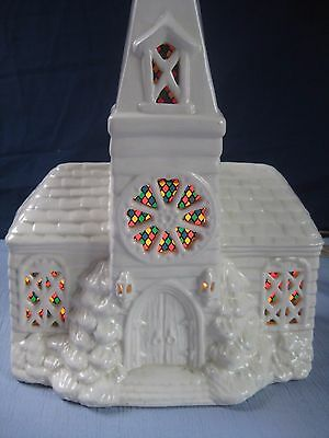 VINTAGE LIGHT UP WHITE CERAMIC CHURCH STEEPLE CHRISTMAS DECOR