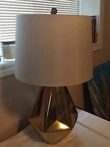 Gold geometric table lamp