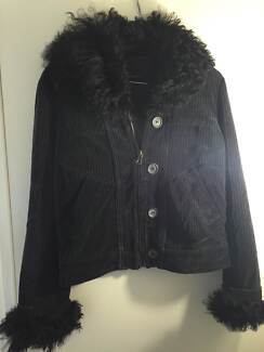 Womans Iceberg  jacket Scarborough Stirling Area Preview