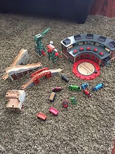 Thomas train sets and table!