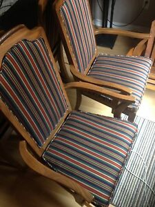 2 beautiful captain chairs London Ontario image 2