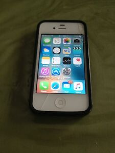 Apple iPhone 4S with bell network