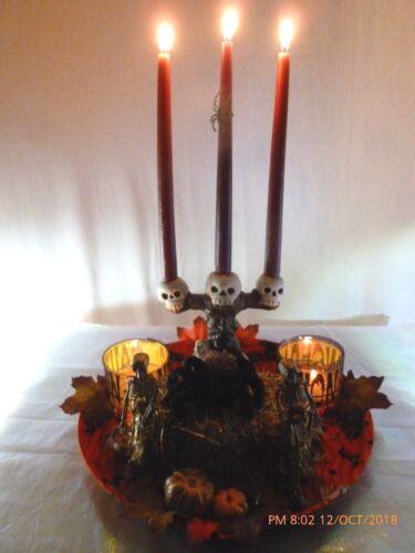 New Halloween SKELETON Spider SKULL CANDELABRA Table Top Decoration CENTERPIECE