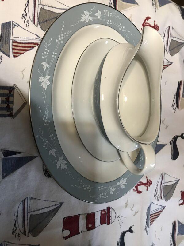 Royal+Doulton+%E2%80%98Reflection%E2%80%99+Gravy+Boat+%26+Saucer+And+Large+Platter