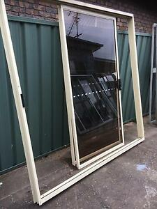 Prime rose aluminium sliding door Casula Liverpool Area Preview
