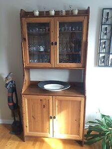 Cabinet haut avec portes en verre /High Cabinet with Glass Doors