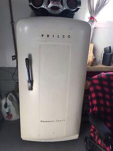 Réfrigérateur antique philco Année 50