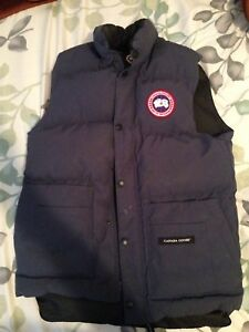 MENS Canada Goose freestyle vest - size small