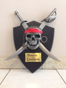 PIRATES OF THE CARIBBEAN DAGGERS/SWORDS WALL DISPLAY